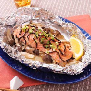 鮭とキノコのホイル蒸し